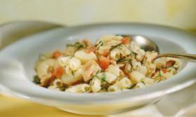 Salade de pâtes au surimi pour 4 personnes