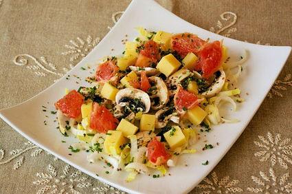 Recette de salade d'endives, de champignons et de pamplemousse ...