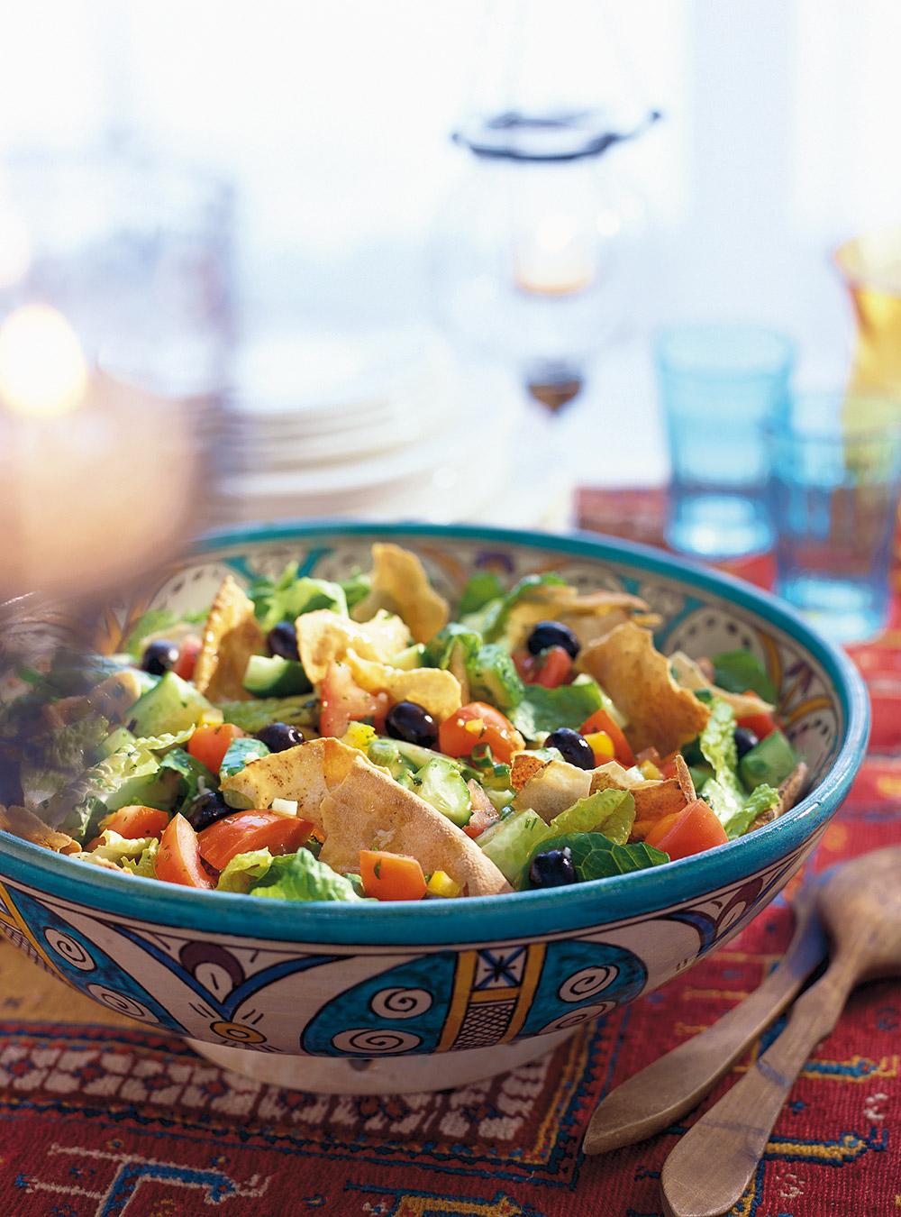 Salade fattouche (salade avec pains pitas) | ricardo