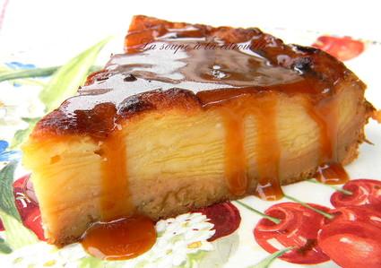 Recette de gâteau invisible aux pommes et crème caramel au ...