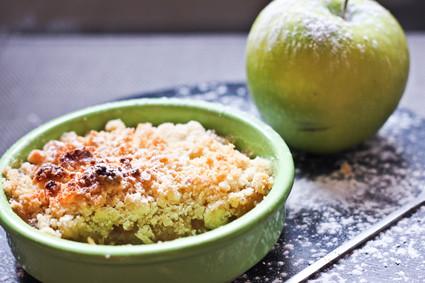 Recette de crumble aux pommes et caramel au beurre salé