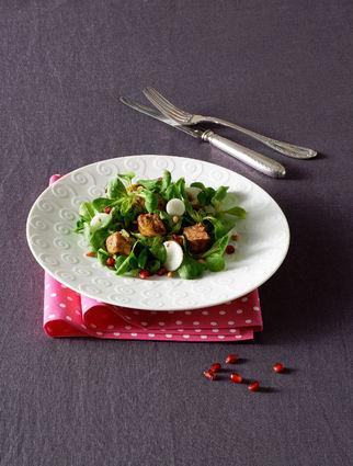 Recette de salade tiède de mâche au foie gras poêlé et grenade