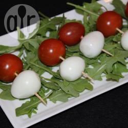 Recette brochettes d'œufs de caille et de tomates cerises – toutes ...