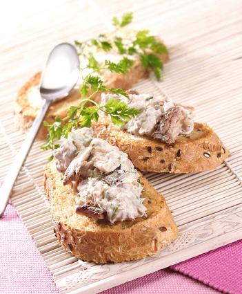 Recette de toasts de rillettes de filet de sardines basilic et citron