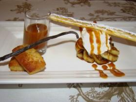 Pommes caramélisées, vanille bourbon, mousse de faisselle, miel ...