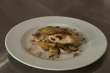 Recette de suprême de volaille au pain d'épice, pommes confites à l ...