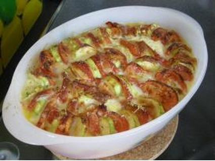 Recette de clafoutis tomates, courgettes et mozarella