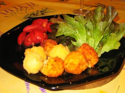 Recette de beignets de pomme de terre au fromage ail et fines herbes