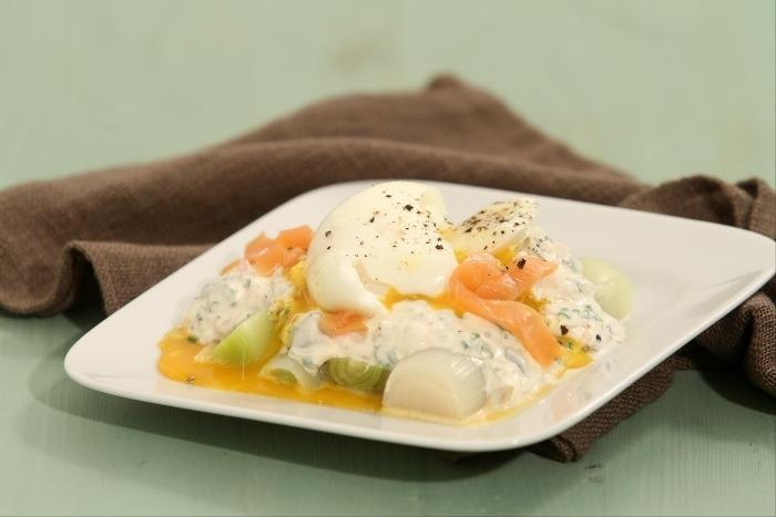 Recette de oeuf poché sur lit de poireaux et saumon frais mariné ...