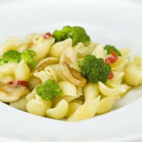 Orecchiettes et brocolis pimentés pour 4 personnes