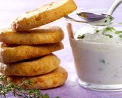 Recette sablés à l'emmental et fleurs de thym, sauce fromage blanc ...