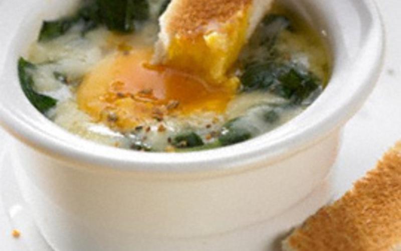 Recette oeuf cocotte aux épinards pas chère et simple > cuisine ...