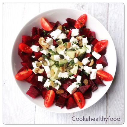 Recette de salade betterave, avocat, feta et graines