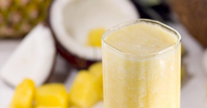 Recette de jus coco, ananas, orange et passion à moins de 50 kcal ...