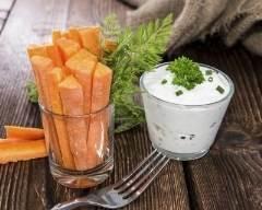 Batônnets de carottes, sauce au yaourt et ciboulette | cuisine az
