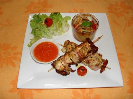Recette de brochettes de poulet mariné, tian de légumes et sauce ...