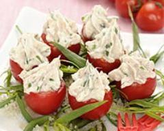 Recette tomates cerises farcies au chèvre frais, thon et fines herbes