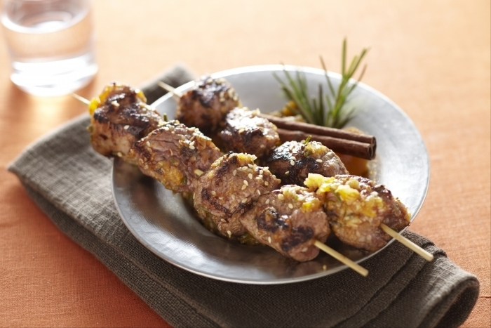 Recette de mini kebab d'agneau en brochette façon tajine d'abricot ...