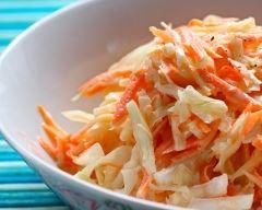 Recette salade coleslaw aux noix concassées