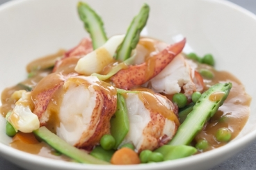 Recette de navarin de homard aux légumes printaniers