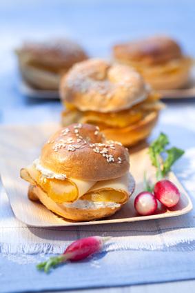 Recette de bagel au haddock fumé, crème acidulée citron ...