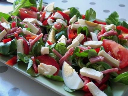 Recette de salade d'été au jambon et mozzarella