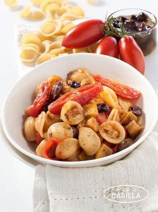 Recette orecchiette pugliesi aux tomates cerises, olives et aubergines