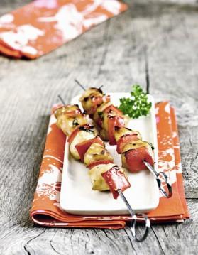 Brochettes de poulet grillées à la sauce saté