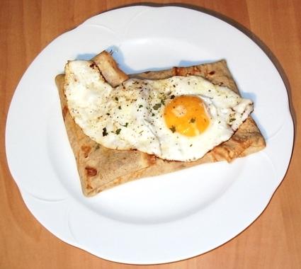 Recette de galettes sarrasin au jambon, œuf et fromage
