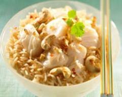 Recette cabillaud sauté au riz et aux noix de cajou