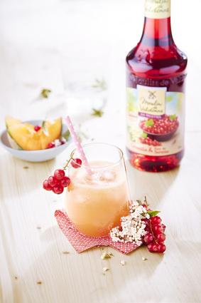 Recette de cocktail pétillant aux groseilles et melon