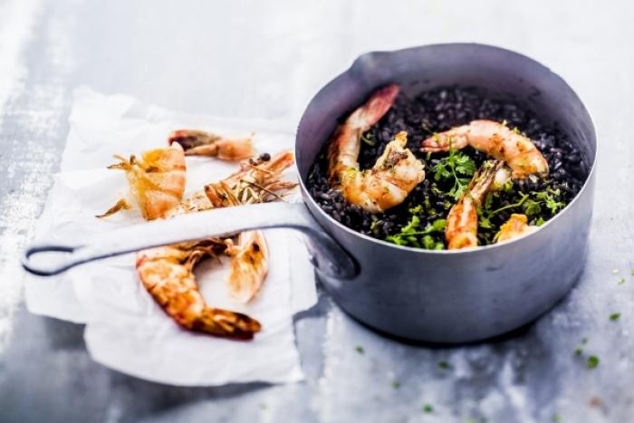 Recette de risotto à l'encre de seiche, citron vert et gambas facile et ...