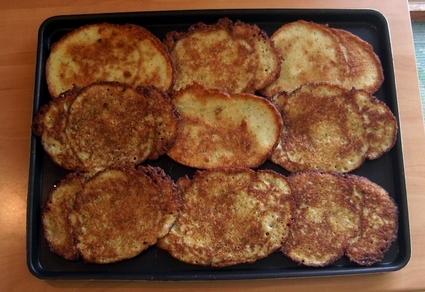 Recette de galettes de pommes de terre à l'oignon et à l'ail