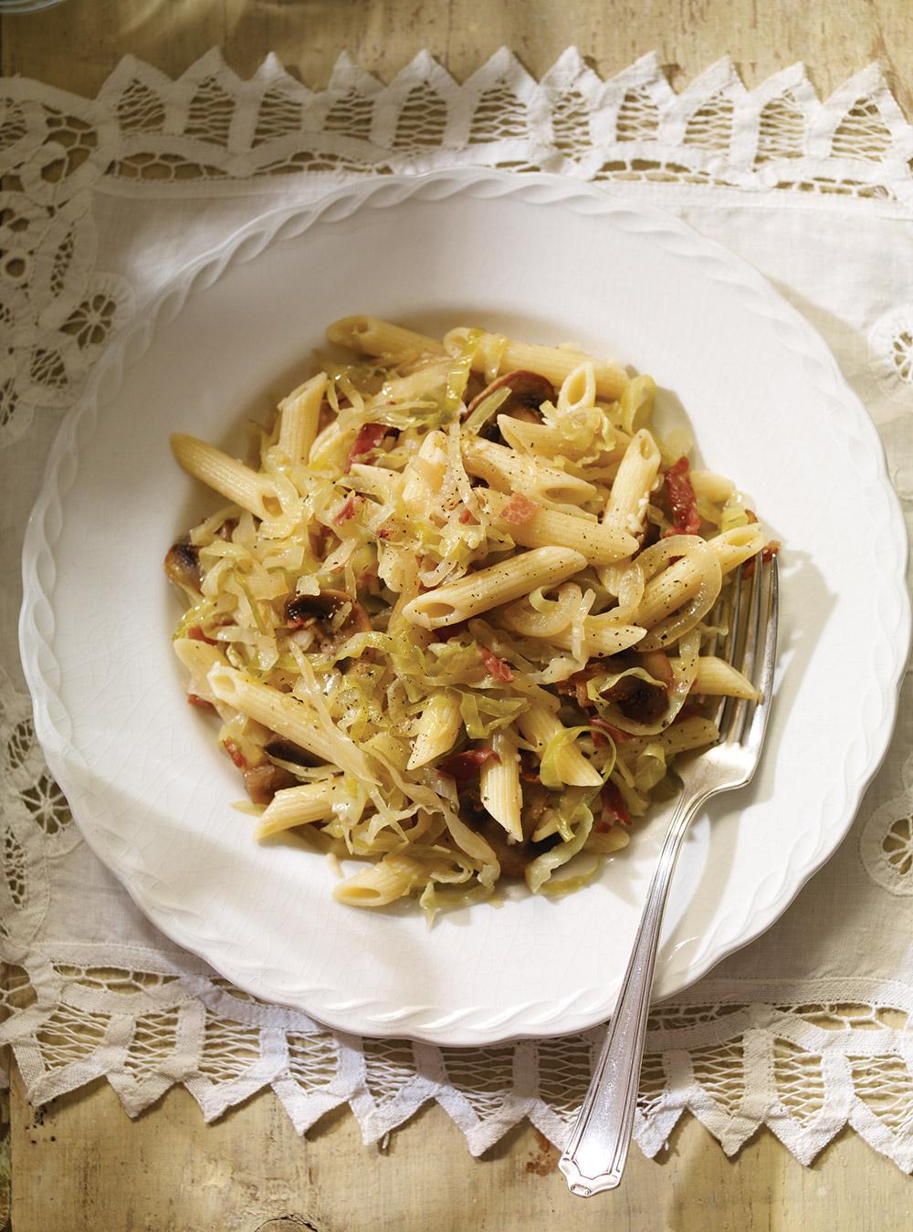 Pasta con cavolo (pâtes au chou et aux champignons) | ricardo