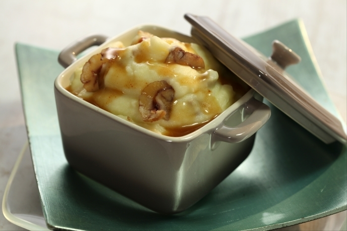 Recette de purée de pommes de terre aux éclats de châtaignes, jus ...