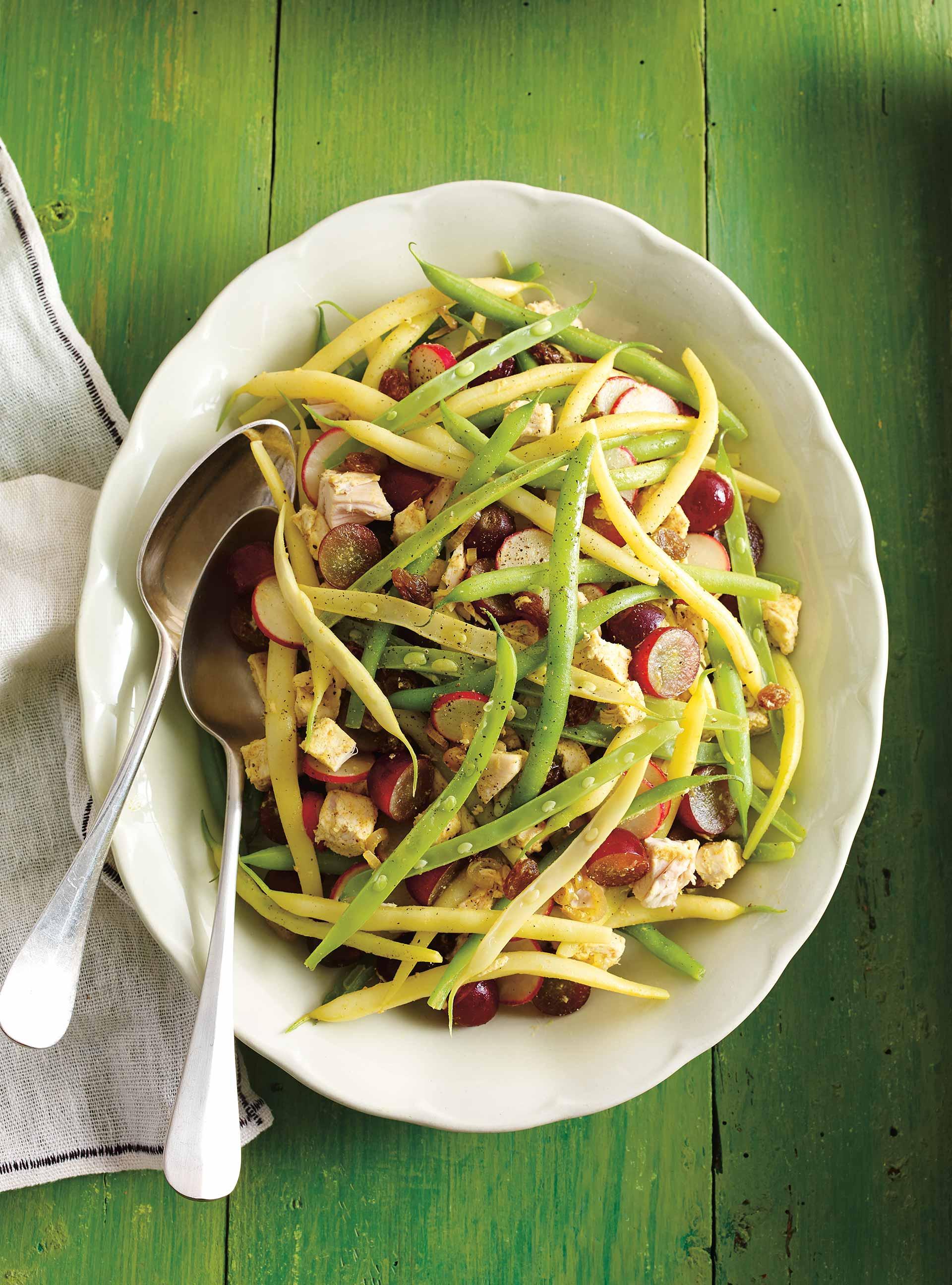 Salade de haricots au poulet et aux raisins | ricardo