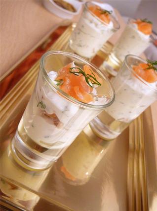 Recette de verrines de saumon fumé, ricotta, ciboulette et aneth