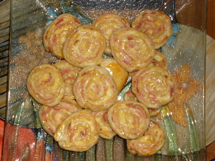 Recette de petits feuilletés au jambon, moutarde et gruyère
