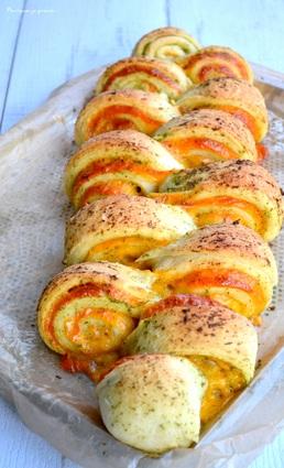 Recette de pain au cheddar, à l'ail & aux herbes