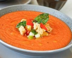 Recette soupe froide à la tomate et panzanella