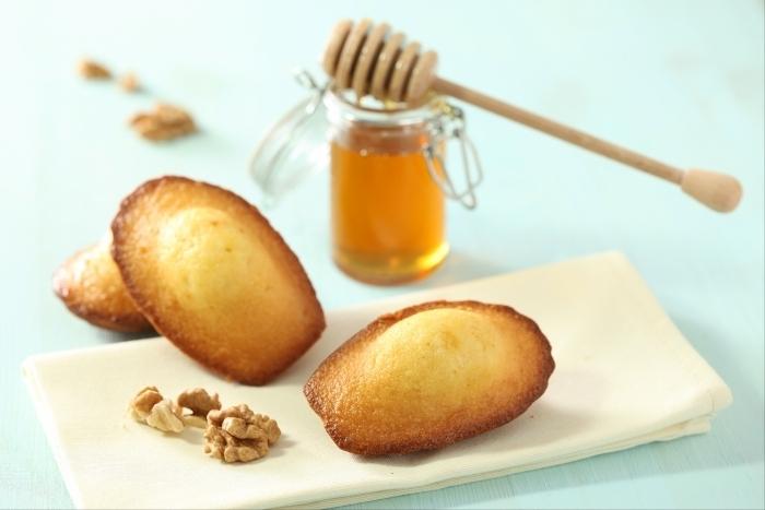 Recette de madeleine aux noix et au miel facile et rapide