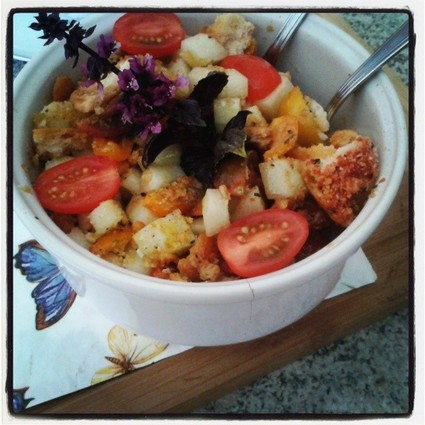Recette de panzanella, salade tomates cerises, concombre et pan ...