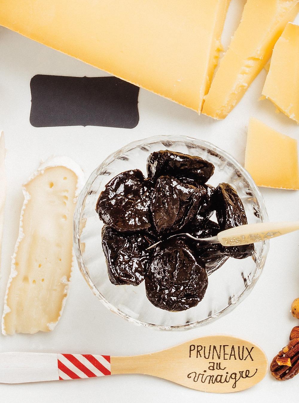 Pruneaux au vinaigre recette - Cuisiner les pruneaux ...
