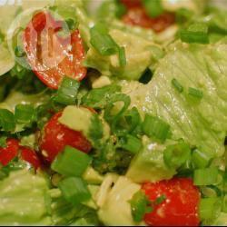 Recette salade d'avocat aux tomates cerises – toutes les recettes ...