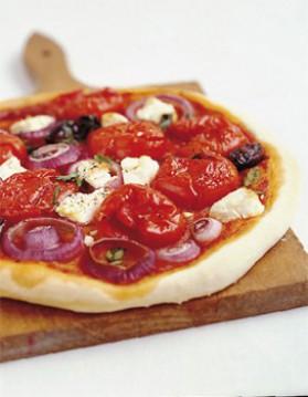 Pizza à la salade grecque pour 4 personnes