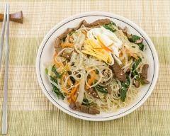 Recette japchae coréen (nouilles au boeuf et légumes)