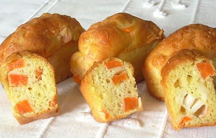 Recette de cake aux carottes et au surimi