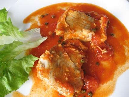Recette de filets de lieu noir sauce tomate et poivre vert