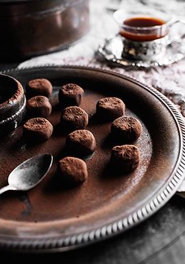 Truffes au chocolat noir à l'orange