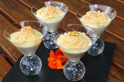 Recette de panna cotta au gorgonzola et compotée de poires au noix